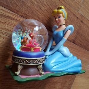 Disney Store Cinderella Glass Slipper Snow Globe